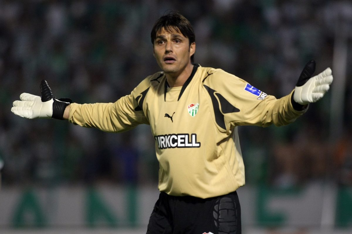 Goalscoring goalkeeper Dimitar Ivankov in action for Bursaspor